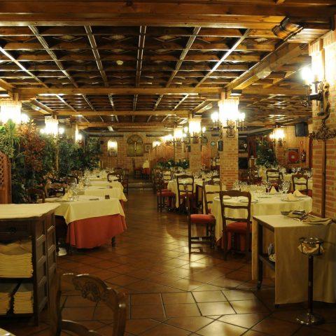 salón comedor restaurante la estación de los porches